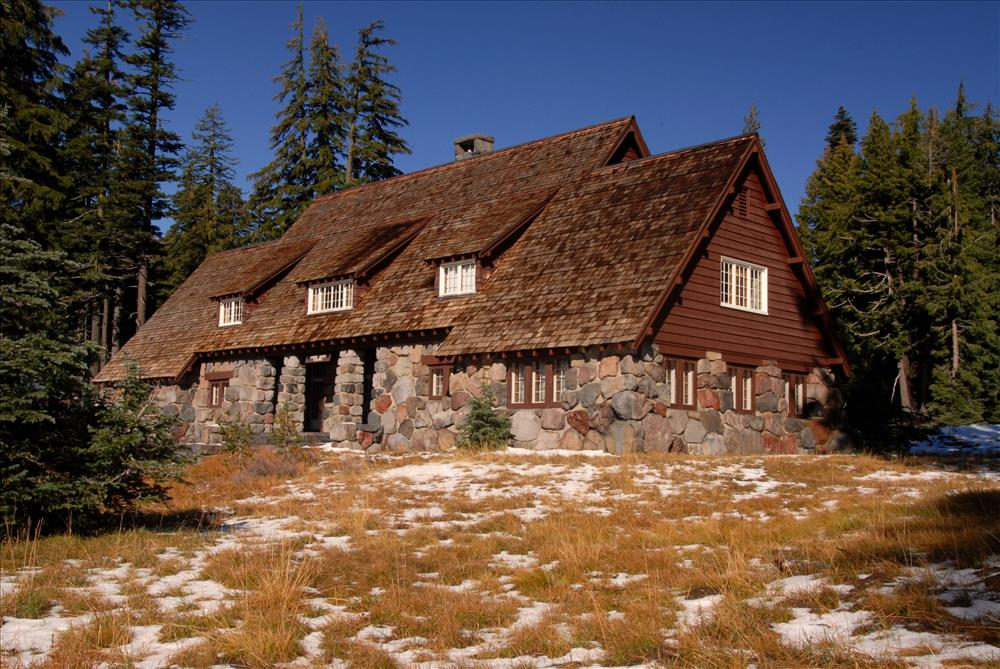 Administration Building in Crater Lake NP, 2009 Dave Harrison