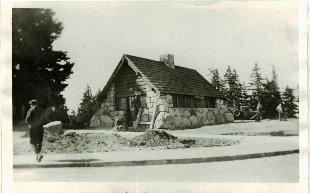 Construction of comfort station by CCC labor in Crater Lake NP, 1938