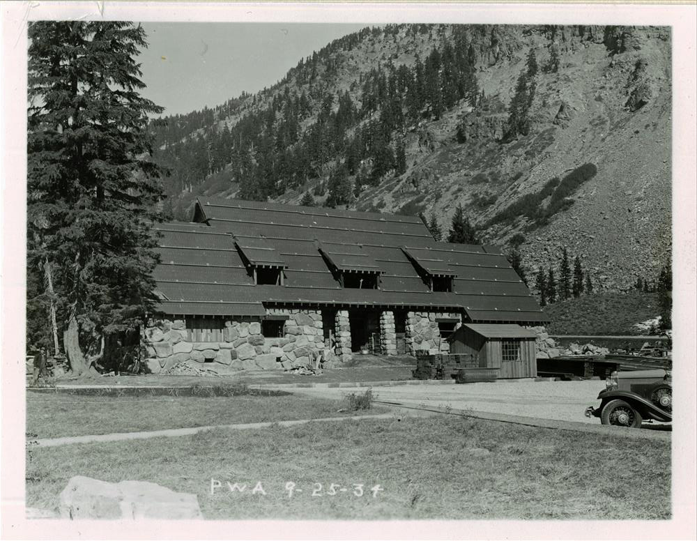 Construction of the Administration Building in Crater Lake NP, 1934 2