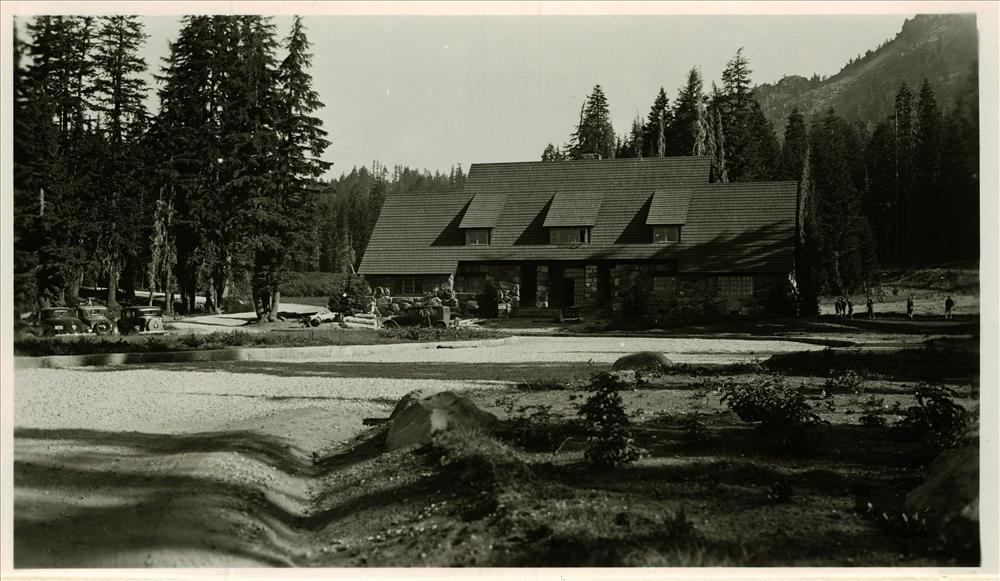 Construction of the Administration Building in Crater Lake NP, 1934 4