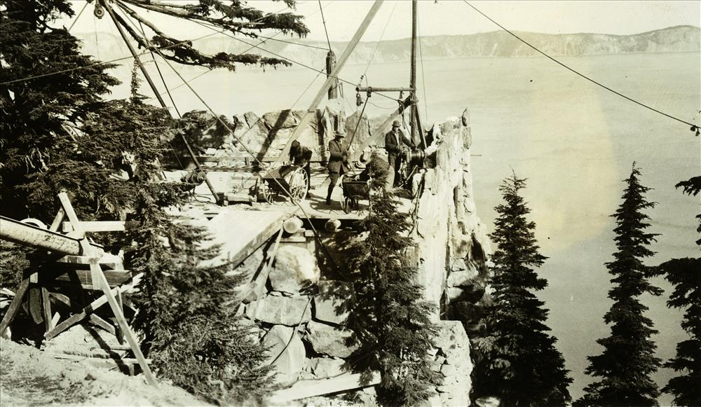 Construction of the Sinnott Memorial in Crater Lake NP, 1930s 2
