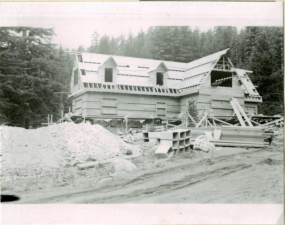 Construction of the Superintendent's residence in Crater Lake NP, 1932