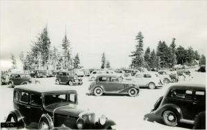 Labor Day crowds at the Rim in Crater Lake NP, 1936