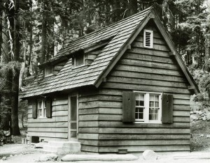 Sleepy Hollow residence in Crater Lake NP, 1941 2