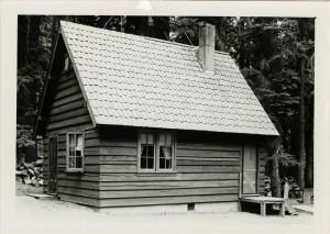 Sleepy Hollow residence in Crater Lake NP, 1941 3