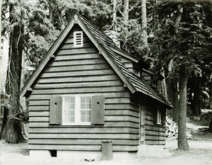 Sleepy Hollow residence in Crater Lake NP, 1941 4