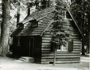 Sleepy Hollow residence in Crater Lake NP, 1941 5