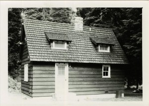 Sleepy Hollow residence in Crater Lake NP, 1941 6