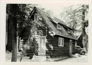 Sleepy Hollow residence in Crater Lake NP 2, 1941