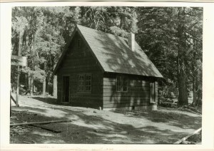 Temporary cabin, Sleepy Hollow in Crater Lake NP, 1934