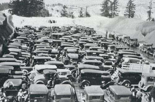 crater-lake-parking-lot