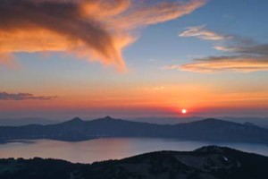 crater-lake-sunset-from-scott