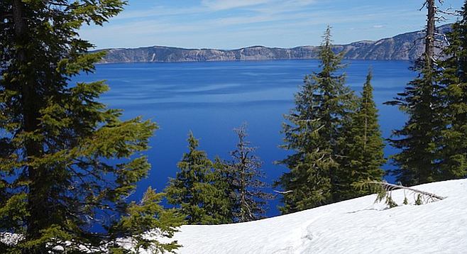 crater_lake_1_t658