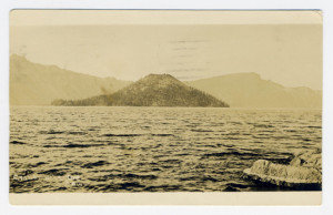 Title: Crater Lake, Ore. Postmark: Chico, Calif., Sep 26, 10 AM 1925 Stamp: 2 cents Card Number(s): 306 (front)
